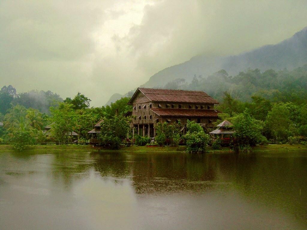 Longhouse Borneo Sarawak Malasya